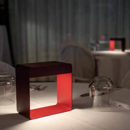 Linea Light Dama Bianco Lampada da tavolo ricaricabile - 9345